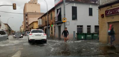 Caos en Palma por la tormenta: vías, locales y el Metro inundado y vuelos retrasados