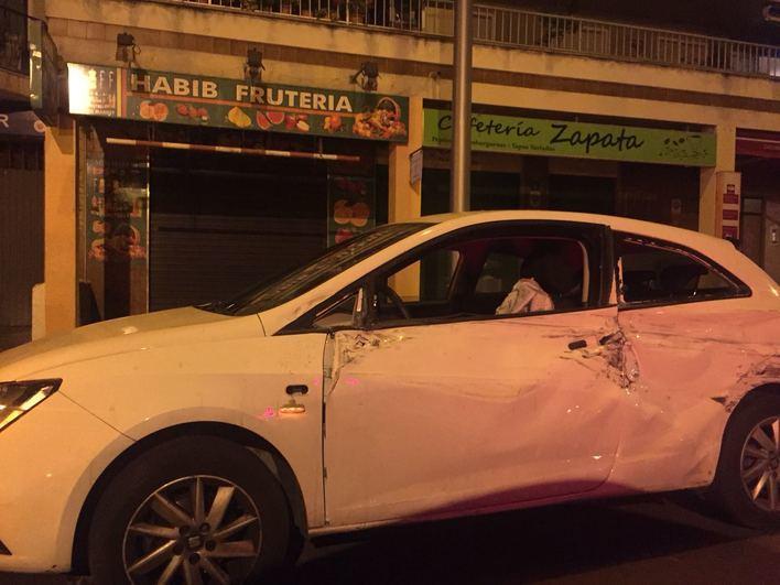 Chocan dos coches en Pont d'Inca, uno vuelca y su ocupante desaparece