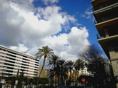 Cielos nubosos y chubascos ocasionales para despedir el invierno en Baleares
