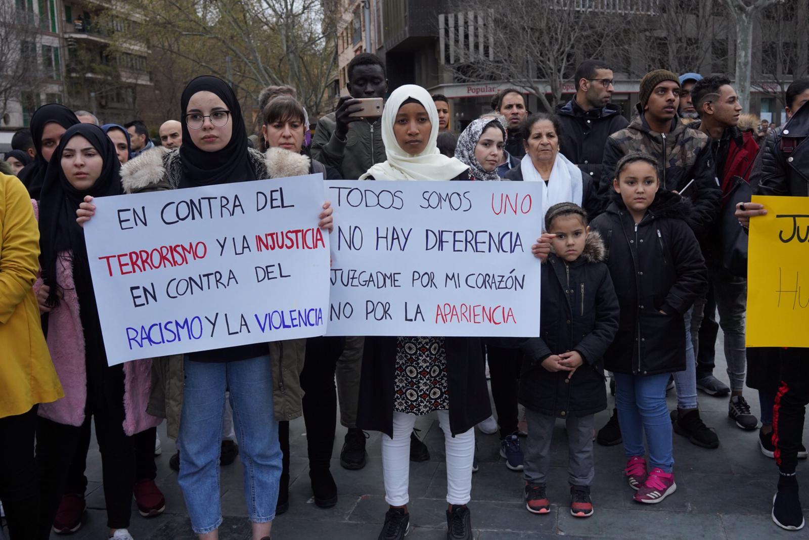 Atentado En Nueva Zelanda Hd: Oración En La Plaza De España Por Las Víctimas Del