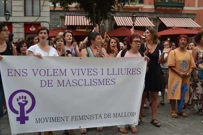 Mallorca clama contra las manadas de Manresa y Cala Rajada