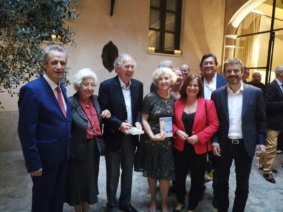 La colaboradora de The Telegraph Anna Nicholas presenta en Palma su último libro