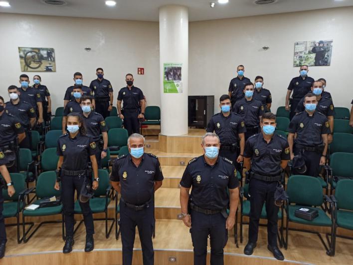 La Policía Nacional presenta a los 99 agentes que harán prácticas en Palma, Manacor, Ibiza, Maó y Ciutadella