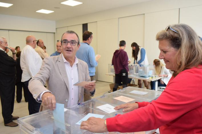 Yllanes vota con la esperanza de 'repetir un Govern progresista'