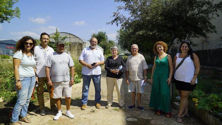 Calvià entrega las llaves a los usuarios de las parcelas del nuevo huerto de Son Ferrer