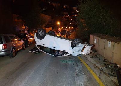 Un coche vuelca en un accidente en el Port de Sóller