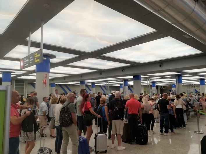 Más de un millón de pasajeros pasará por los aeropuertos de Baleares en los próximos días