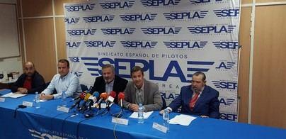 Los pilotos de Air Europa exigen a la compañía no volar a Venezuela