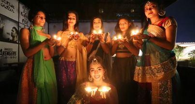 La India busca celebrar el primer año nuevo hindú libre de humos