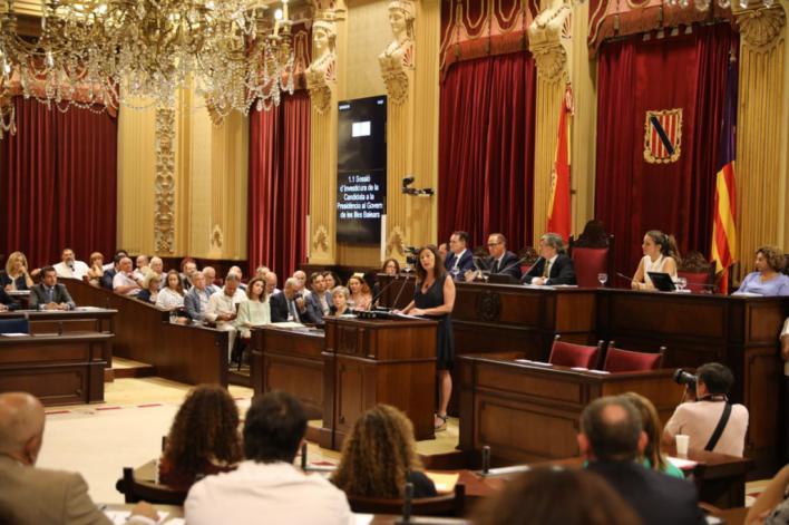 Armengol asegura que el pacto entre PSIB, Podem y Més 'traerá estabilidad política'