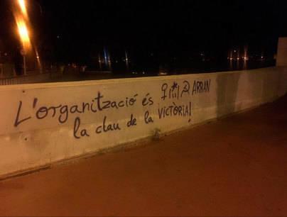Arran llena Palma de más pintadas antituristas: 'La masificación turística nos explota'