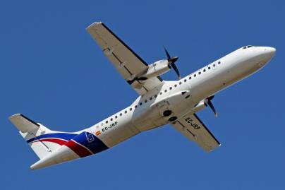 Un avión procedente de Menorca, obligado a aterrizar en Palma tras sufrir un problema en un motor