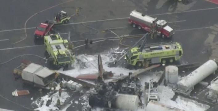 Siete fallecidos tras estrellarse un avión de la Segunda Guerra Mundial en Connecticut