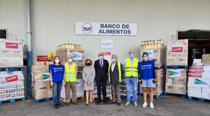El Corte Inglés entrega 11.860 euros en productos de primera necesidad al Banco de Alimentos de Mallorca