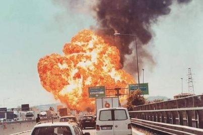 Dos muertos y 60 heridos por un accidente cerca del aeropuerto de Bolonia