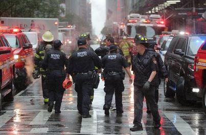 Muere el piloto de un helicóptero al estrellarse contra un edificio en Nueva York