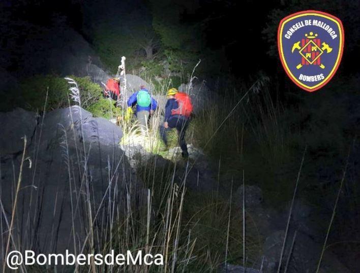 Bombers de Mallorca rescatan a un excursionista perdido en el puig de Balitx