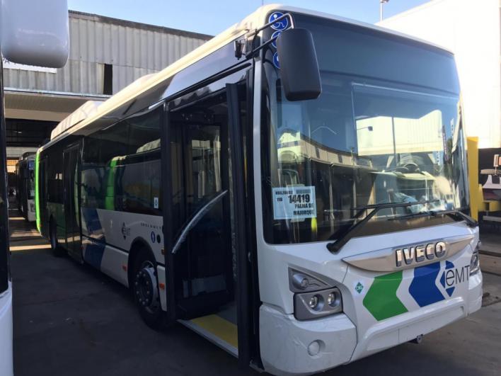 Llega a la isla el segundo autobús nuevo de la EMT