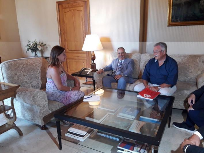 La Cambra de Comerç se ofrece para impulsar estudios 'rigurosos' sobre los efectos de los cruceros