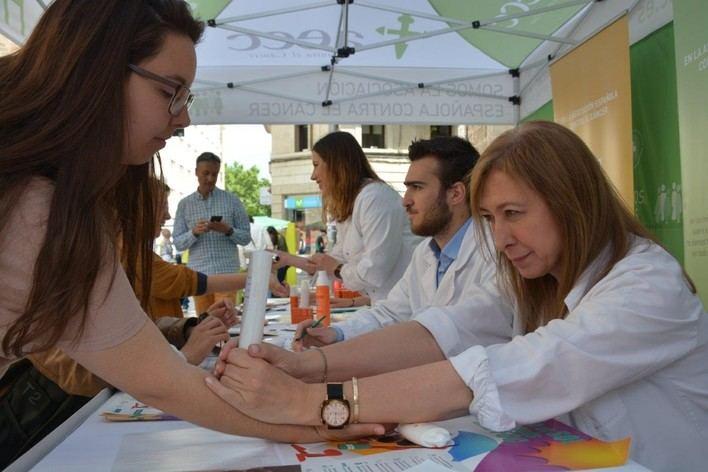 La AECC inicia la campaña de prevención del cáncer de piel