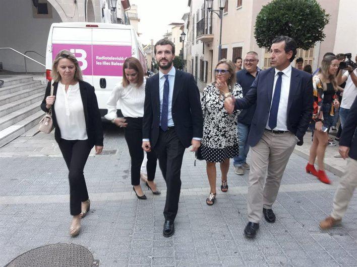 Casado reclama en Mallorca las ayudas del Gobierno por la torrentada de Sant Llorenç