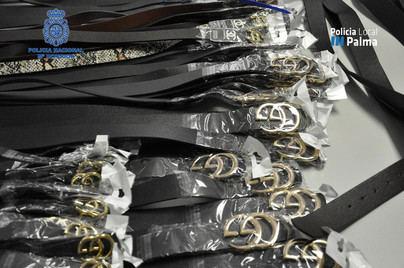 Detenido un hombre con más de 800 productos de moda falsificados en Palma