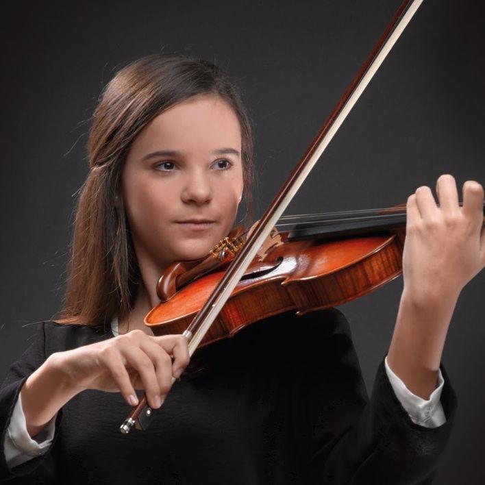 La violinista Clara Bausá ofrece un concierto a beneficio del Banco de Alimentos de Mallorca