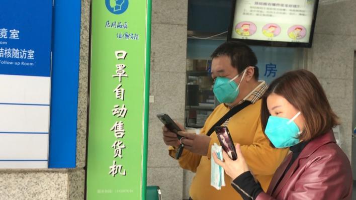 China advierte que el coronavirus se está fortaleciendo
