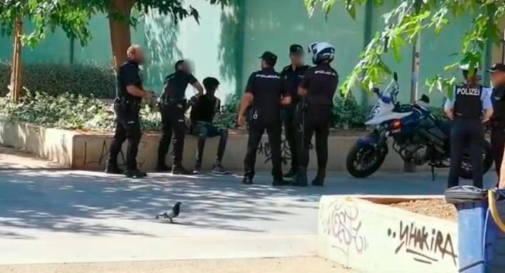 Persecución policial por Palma a un hombre por quebrantar una orden de alejamiento