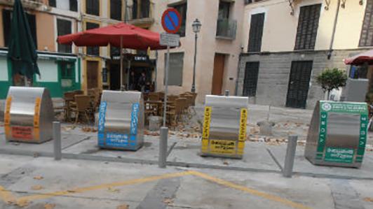 Contenedores de la plaza Drassanes