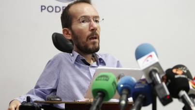 Echenique presenta su dimisión como presidente de RTVE