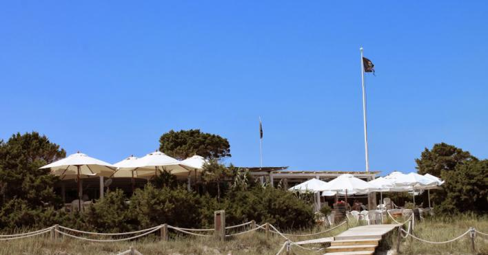 Salut pide a los clientes recientes de 'El Pirata' de Formentera que se hagan una PCR