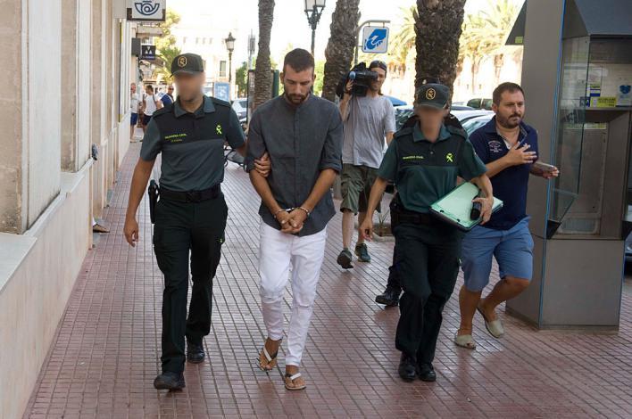 Acepta 12 años de cárcel por matar a su madre en Ciutadella