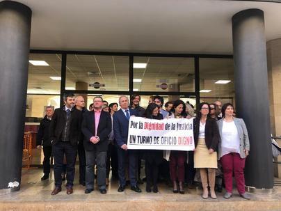 Los abogados exigen en Palma cobrar el millón y medio de deuda con el turno de oficio