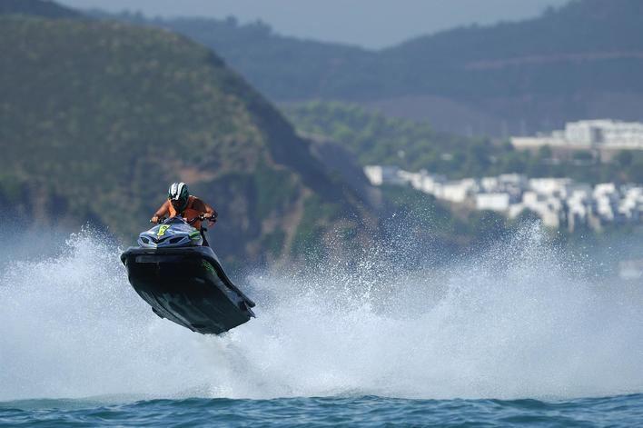 Se amplían las normas de titulaciones náuticas y de seguridad para motos acuáticas