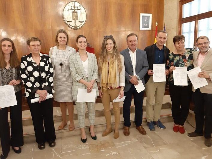 Los ocho diputados y cinco senadores de Baleares recogen su acta electoral