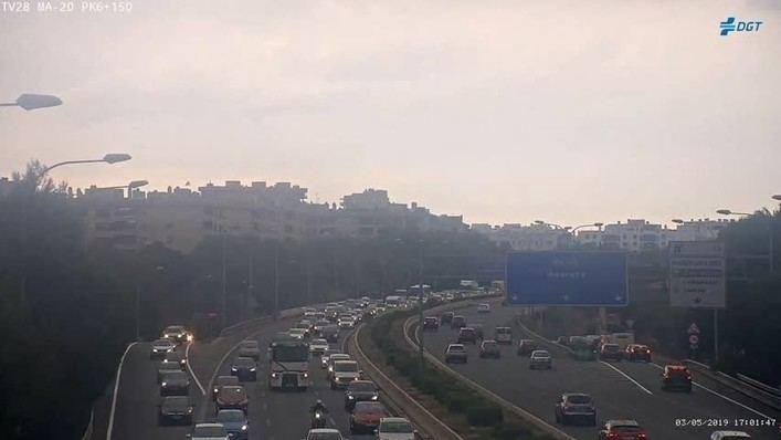 Retenciones de tres kilómetros en Vía de Cintura tras un accidente con cuatro vehículos implicados