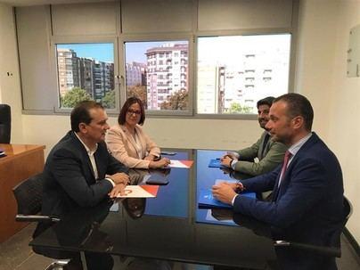 PP y Cs aceptan el documento de Vox y desbloquean la investidura en Murcia