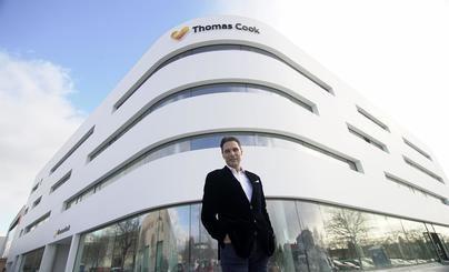 El consejero delegado de Thomas Cook se disculpa y defiende sus bonificaciones: 'trabajé muy duro'