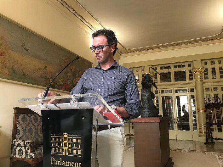 """Toni Costa (PP): """"El Govern Armengol actúa a golpe de decreto; no tiene modelo económico para Baleares"""""""