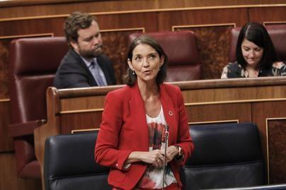Reyes Maroto insta a apoyar los Presupuestos para asegurar la recuperación del sector turístico español