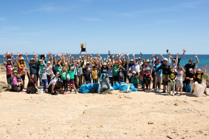 740 voluntarios retiran 150 kilos de residuos en Son Serra y Son Real