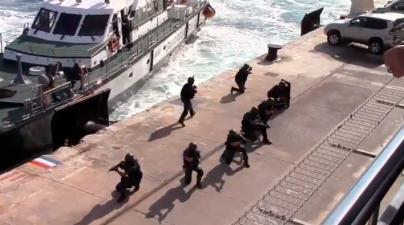 Exhibición marítima y aérea de la Guardia Civil en Alcúdia, Cala Ratjada y Puerto Portals