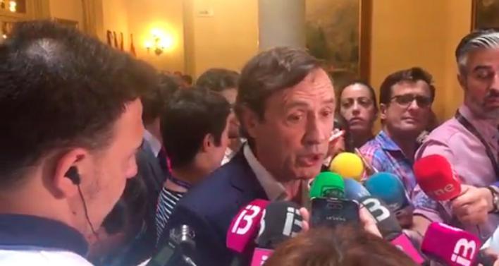 Hernando critica en Palma a Sánchez por 'hacer de trilero' para ser investido