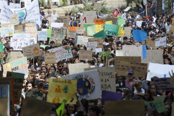 Cerca de 4.500 personas se manifiestan en Palma en motivo de la Huelga Mundial por el Clima