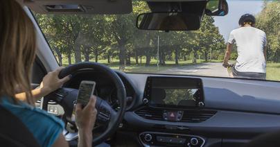 Las multas por usar el móvil al volante aumentan en más de un 500 por ciento en Baleares