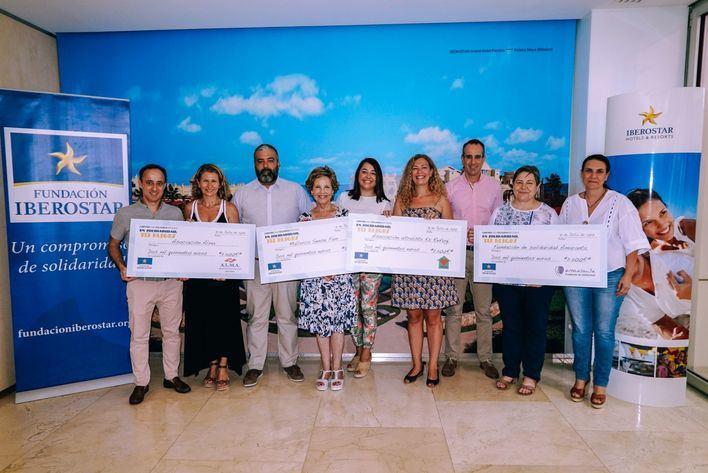 Iberostar entrega 10.000 euros a asociaciones solidarias locales