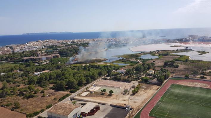 Incendio en Es Salobrar de la Colònia de Sant Jordi