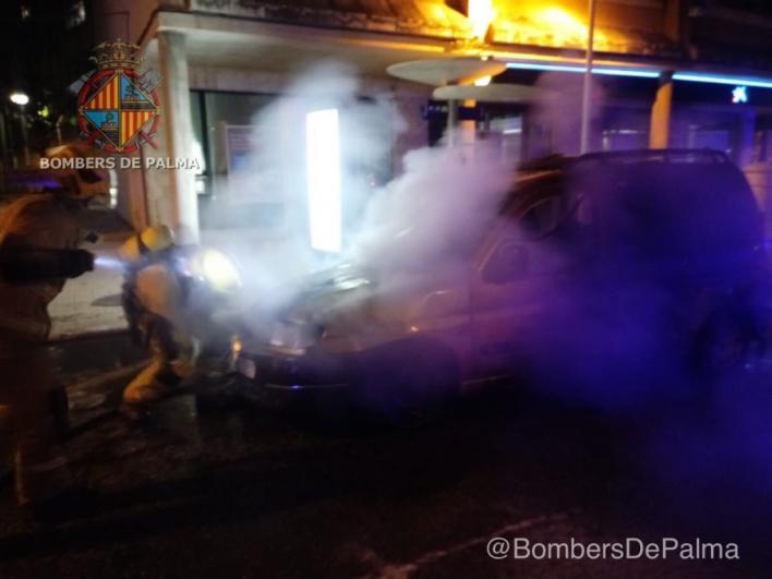 Declarados varios incendios en vehículos en Son Oliva y Son Oms