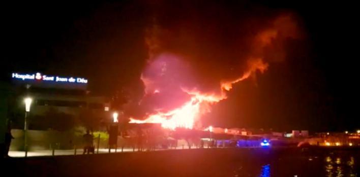 Cort niega problemas con los intercomunicadores de los bomberos en el incendio de la piscifactoría